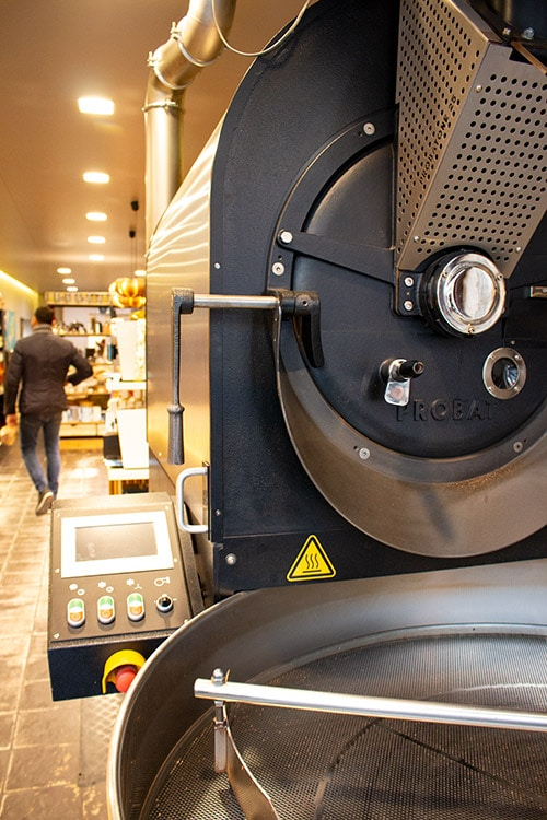 Comptoir Oriental des Cafés coffee roasting machine